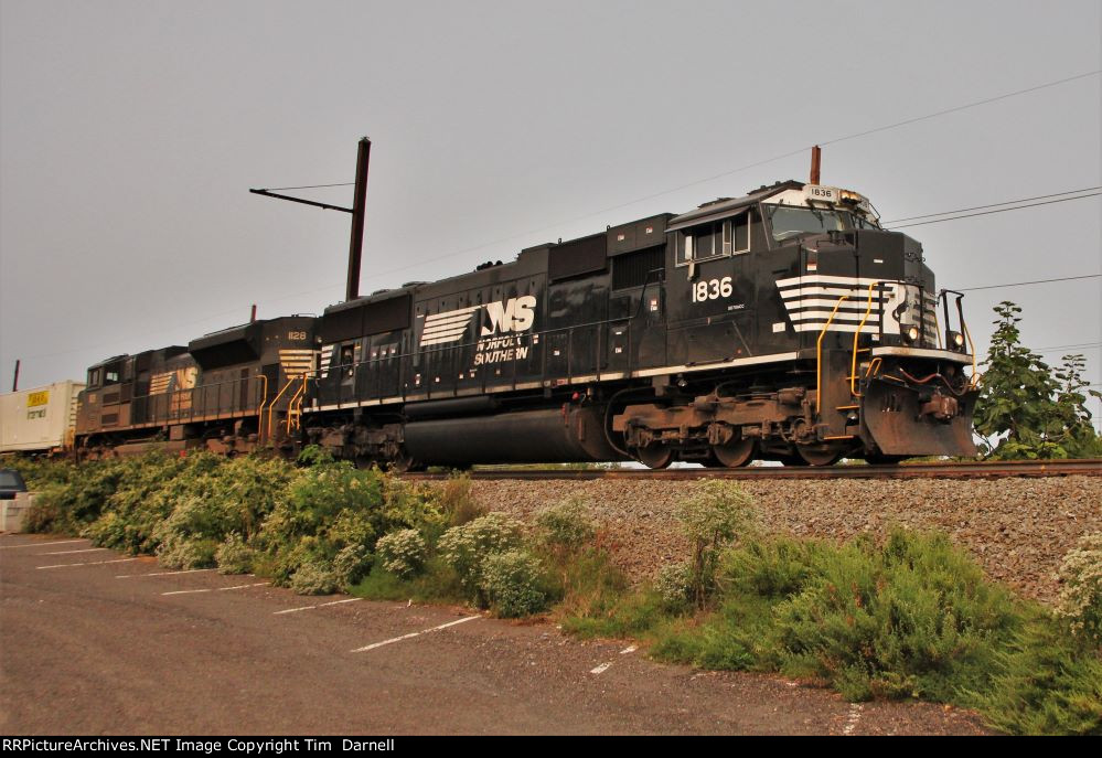 NS 1836 leads 26T